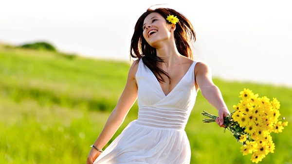 Bạn hãy cố gắng chụp những khoảnh khắc hạnh phúc của mình mỗi ngày để lưu giữ những cảm xúc tích cực, khiến cuộc sống của bạn hạnh phúc hơn.