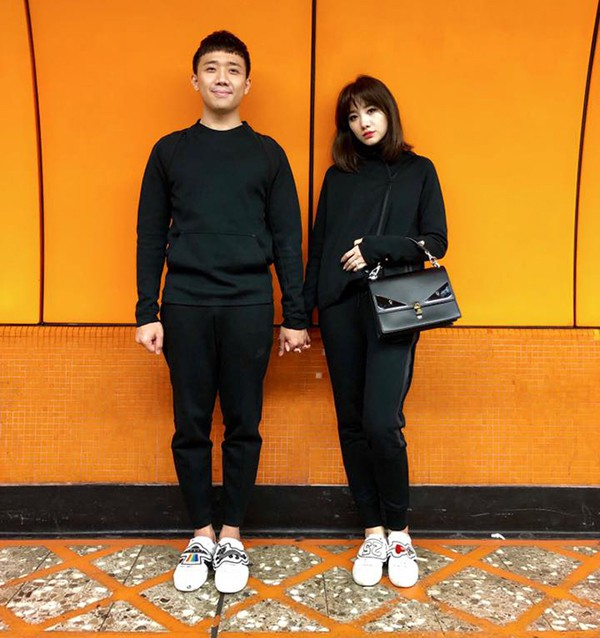 Dù xảy ra quá nhiều thị phi trong năm đầu hôn nhân nhưng MC Trấn Thành và Hari Won vẫn hạnh phúc bên nhau.
