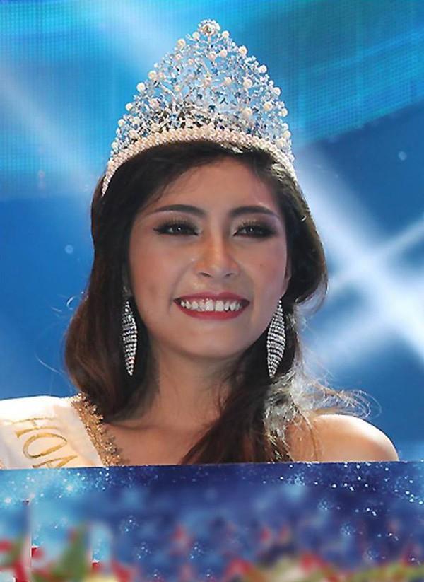 Đặng Thu Thảo khi mới đăng quang Hoa hậu Đại Dương 2014. Nhan sắc của cô khiến nhiều người thất vọng vì quá bình thường.