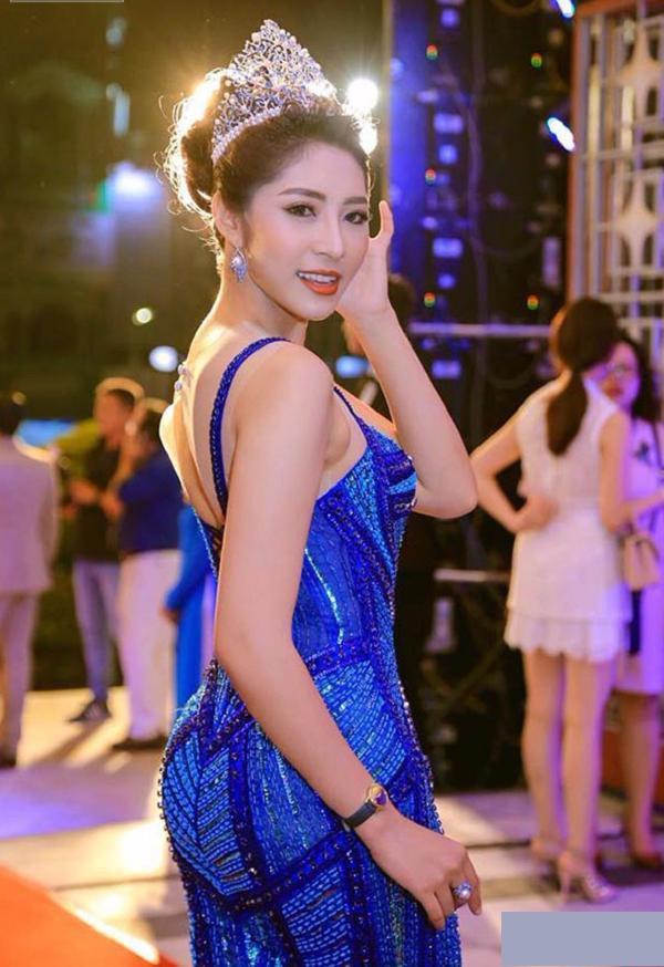 Sau 3 năm đăng quang, trong đêm Chung kết Hoa hậu Đại Dương 2017, Đặng Thu Thảo khiến khán giả bất ngờ bởi nhan sắc nhiều đổi khác.