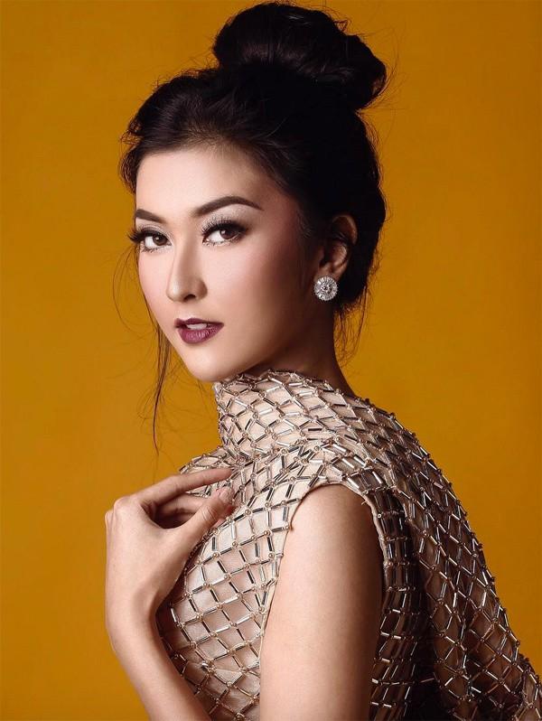 Người đẹp không chỉ có nhan sắc nổi trội mang đậm nét Á đông, cô còn là một cô gái trẻ thông minh và cực kỳ năng động.