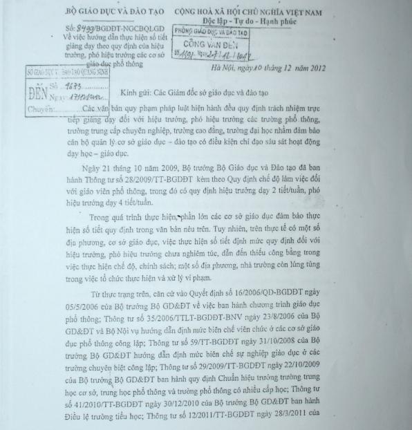 Công văn số 8499 của Bộ Giáo dục & Đào tạo về hướng dẫn thực hiện số tiết giảng dạy theo quy định của Hiệu trưởng, Phó hiệu trưởng các cơ sở giáo dục phổ thông. Ảnh: Đ.Tuỳ