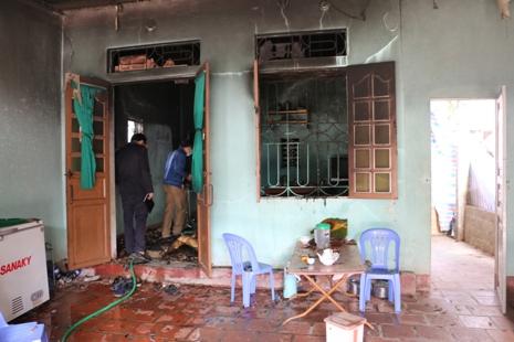 Hiện trường vụ cháy nhà khiến 2 bố con tử vong