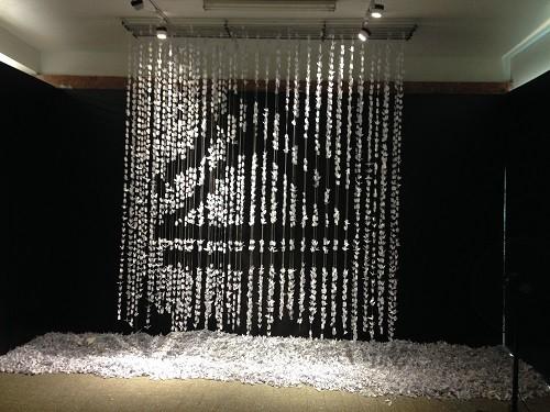 Tác phẩm được làm từ 28 nghìn hạc giấy của học sinh Lương Thế Vinh.