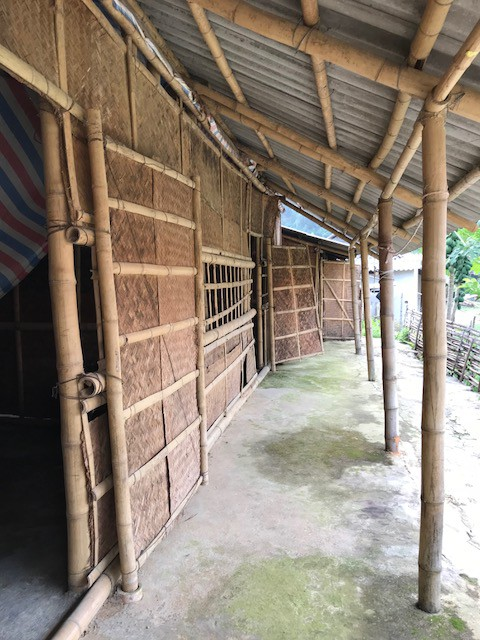 Ngôi trường nghèo nàn và tạm bợ của trường mầm non Na Mèo