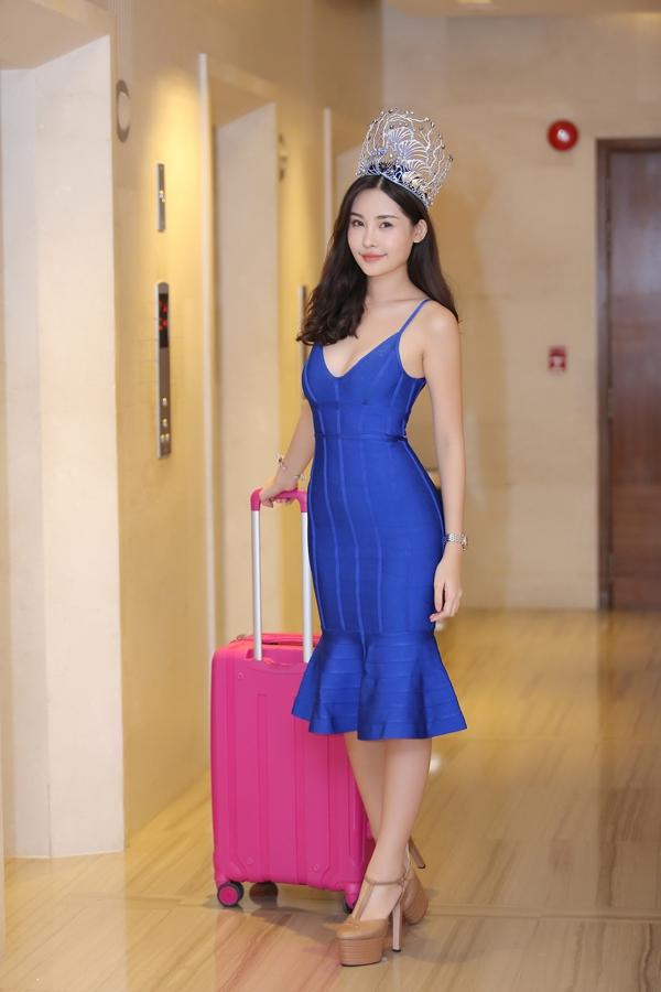 Hoa hậu Lê Âu Ngân Anh khoe vẻ đẹp hình thể lẫn gương mặt khả ái sau đêm chung kết.