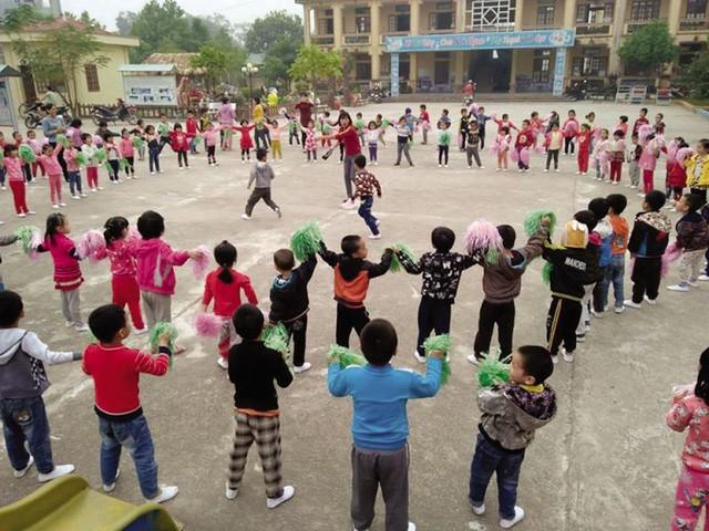 Ngoài việc gần 1.200 giáố giáo viên bị ngưng trả lương 3 tháng thì tỉnh Hải Dương có 61 giáo viên viết đơn xin nghỉ dạy, trong đó tập trung vào bậc học mầm non nhiều nhất. Ảnh: Đ.Tùy
