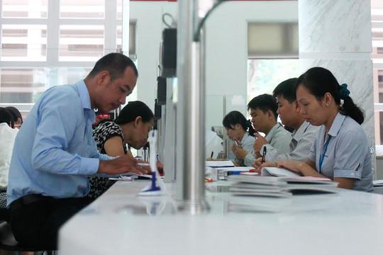Công chức là đối tượng được tăng lương kể từ ngày 1/7. Ảnh: Hoàng Triều