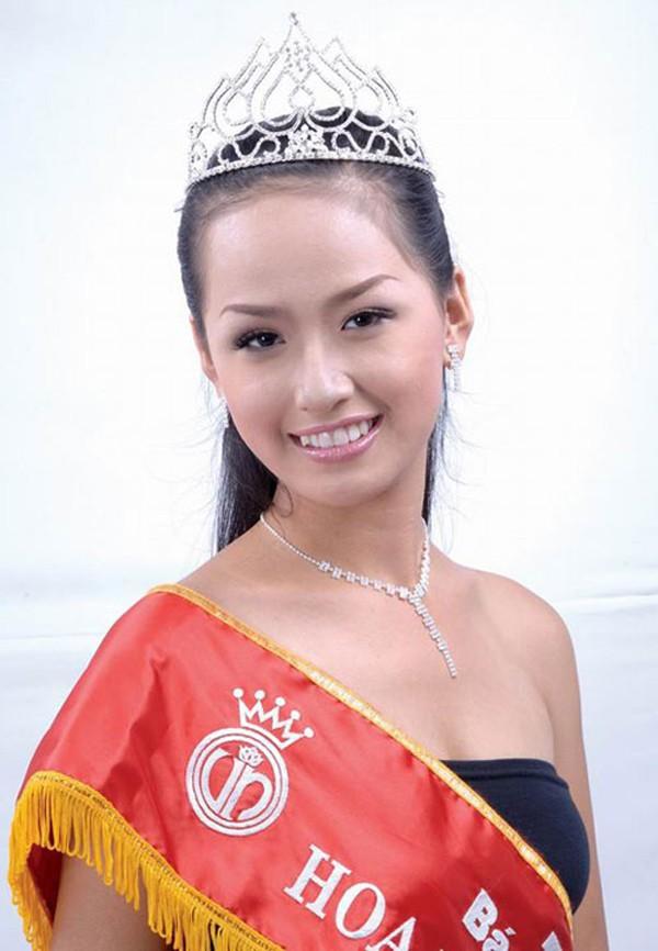 Mai Phương Thúy đăng quang Hoa hậu Việt Nam 2006.