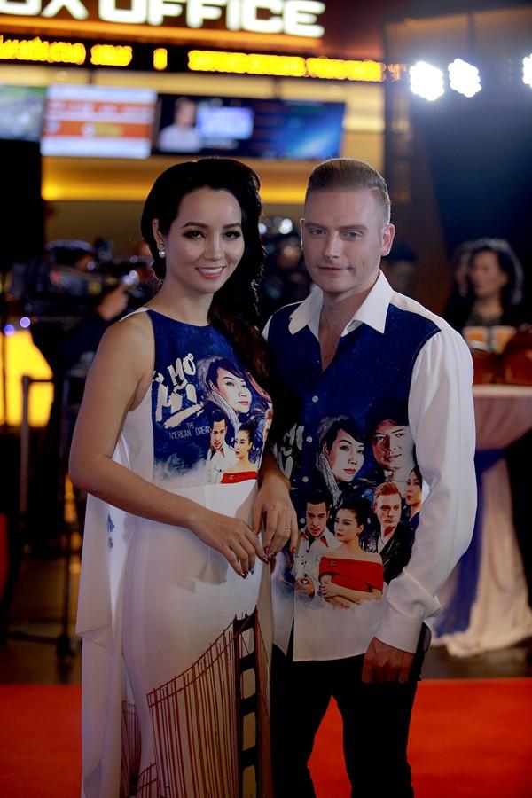 Kyo York và diễn viên Mai Thu Huyền.