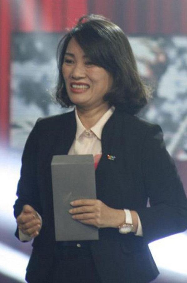 MC Tạ Bích Loan nổi bật với cuộc thi truyền hình Đường lên đỉnh Olympia.