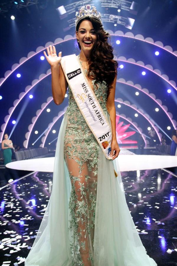 Dù không có chiều cao nổi trội nhất nhưng người đẹp Nam Phi vẫn giành ngôi vị Hoa hậu.