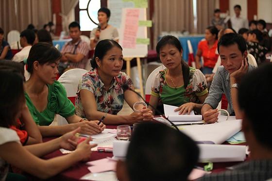 Nâng cao năng lực cho các tổ chức xã hội và tổ chức cộng đồng trong việc thực hiện Dự án. Ảnh: T.G