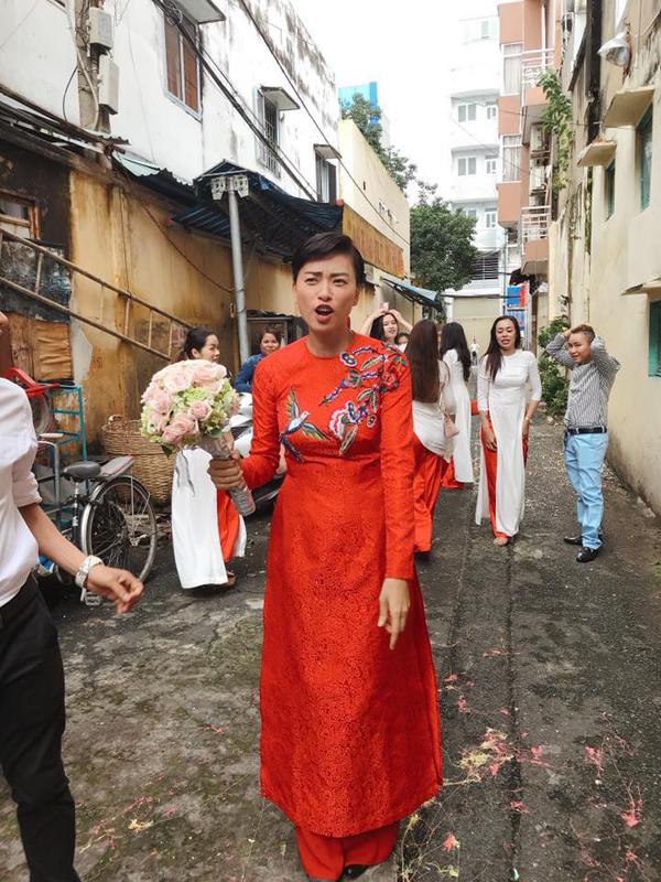 Trước những hình ảnh này nhiều người giật mình tưởng Ngô Thanh Vân cưới chồng.