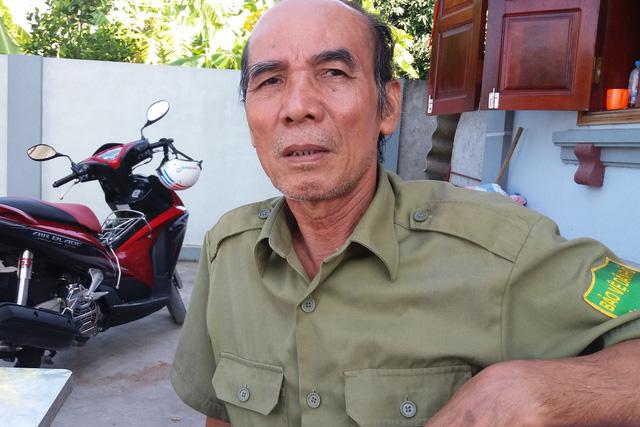 Ông Vũ Văn Hùng (chồng bà Hát) trao đổi với PV Báo Gia đình & Xã hội. Ảnh: Đ.Tuỳ