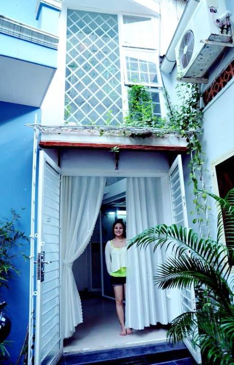 Khi chưa lấy chồng đại gia, Vy Oanh đã sở hữu riêng một căn nhà khang trang tại trung tâm TP.HCM.