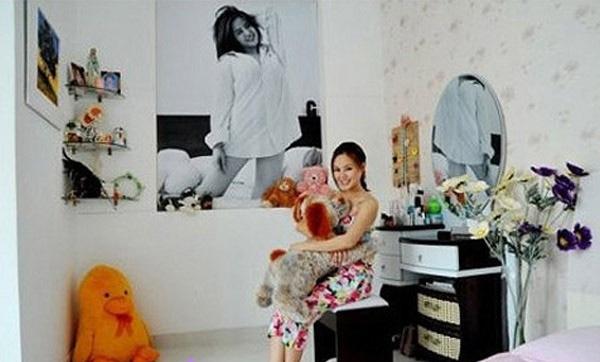 Ngôi nhà của Vy Oanh với gam màu trắng chủ đạo.