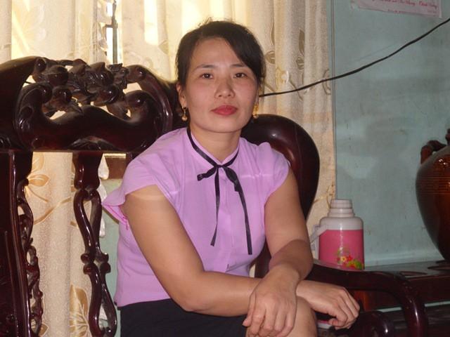 Cô giáo tiểu học Nguyễn Thị Hạnh (SN 1981, xã Nga Hải) tình nguyện lên vùng cao bản Én (xã Xuân Thắng) kể về những khó khăn.