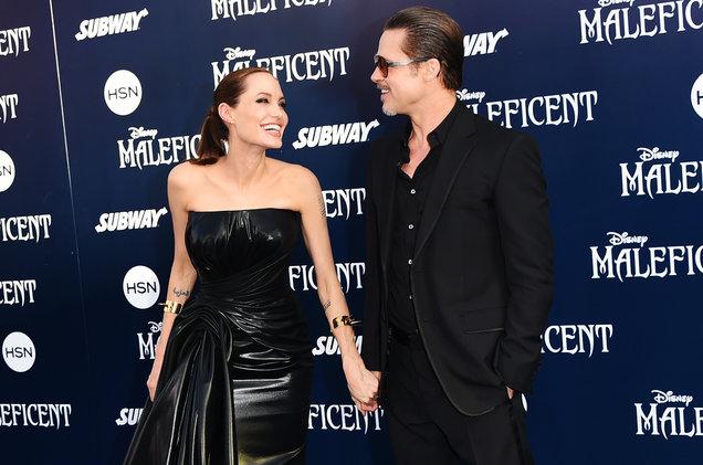 Angelina Jolie và Brad Pitt đã ký thỏa thuận giữ bí mật thông tin về quá trình ly hôn.