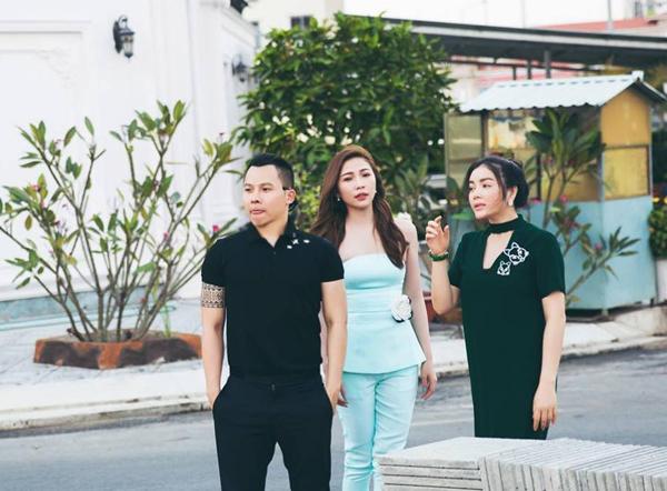 Đầu năm mới, Vũ Khắc Tiệp và Quỳnh Thư tới chúc Tết Lý Nhã Kỳ tại nhà riêng ở TP HCM.