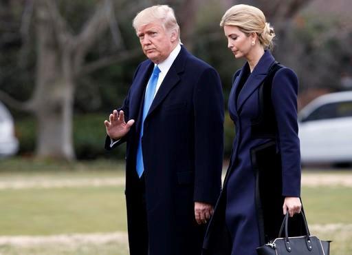 Tổng thống Mỹ Donald Trump và con gái lớn Ivanka.