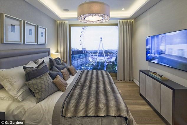 Dù chưa mở bán, những theo những hình ảnh từ chủ đầu tư, phòng ngủ của nhiều căn penthouse thuộc dự án 566 căn hộ hạng siêu sang này sẽ nhìn ra sông Thames cùng vòng xoay biểu tượng mang tên con mắt London.