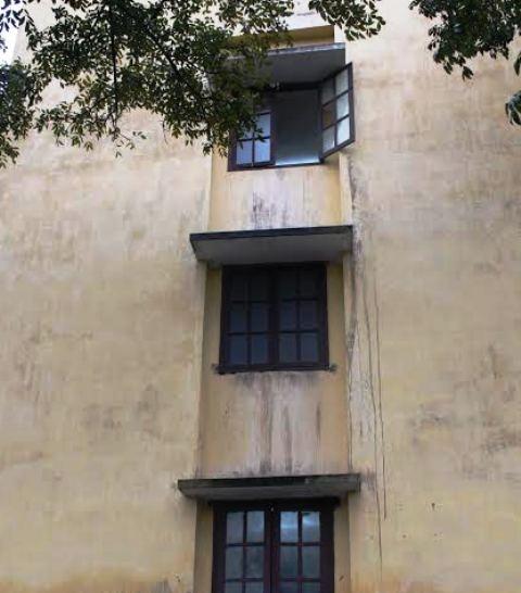Tầng 3 của Bệnh viện Sản - Nhi Ninh Bình, nơi bé 3 tuổi rơi xuống đất.