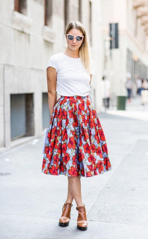 Những set đồ phối cùng chân váy midi luôn mang đến cho cô nàng một phong cách rất lãng mạn, duyên dáng và vô cùng uyển chuyển.