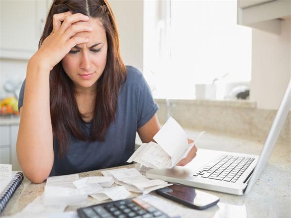 Suy nghĩ quá nhiều dễ dẫn đến căng thẳng thần kinh và stress.