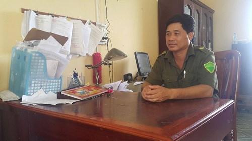 Trưởng Công an xã Gia Xuyên, ông Tăng Văn Méc trao đổi với PV Kiến Thức.
