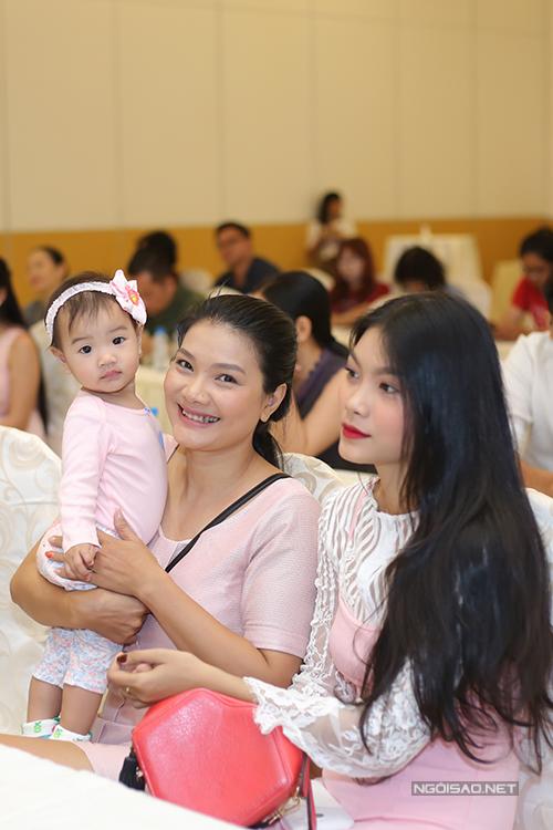 Kiều Trinh làm mẹ đơn thân với 3 con.