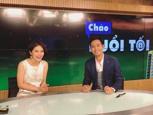 MC Phan Anh trên trường quay Chào buổi tối