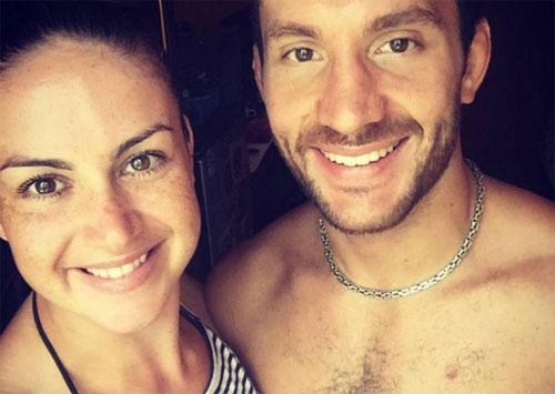 Abigail Brown, 26 tuổi cùng bạn trai James Brum, 30 tuổi.