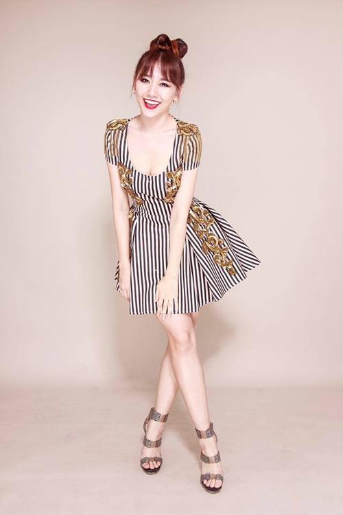 Hari Won sẵn sàng diện những mẫu trang phục kén người mặc