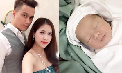 Anh và người vợ thứ 2 có với nhau 1 cậu con trai 3 tháng tuổi