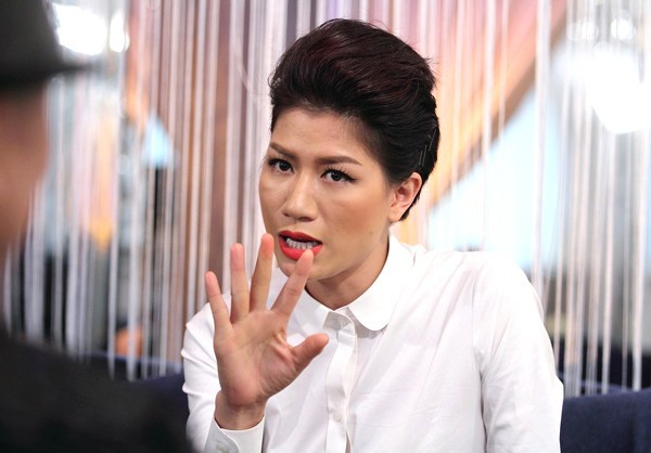 Toàn bộ bạn bè và fan hâm mộ trên trang cá nhân của Trang Trần được chứng kiến 9 phút rất không đáng phải nghe.