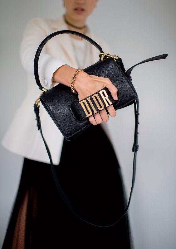 0f53164f228c Thiết kế túi Dior J'adior dáng chữ nhật, đường nét tối giản, thoạt nhìn đã  thấy tiện dụng. J'adior vốn là biến tấu từ J'Adore - tên của một loại nước  hoa ...