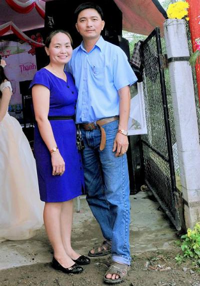 Vợ chồng anh Nguyện và chị Quyên. Ảnh: NVCC.