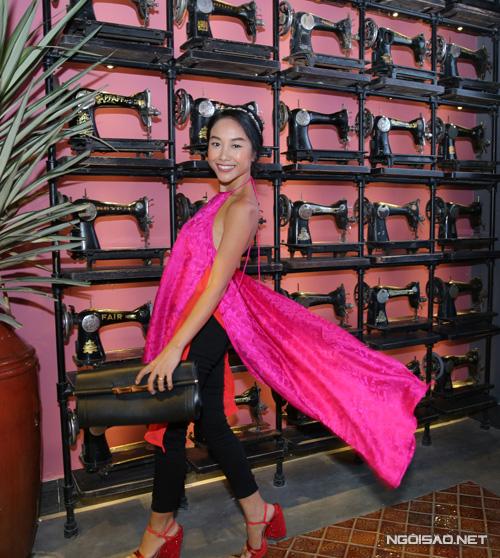 Đã có thâm niên 15 năm hoạt động trong showbiz với vai trò ca sĩ nhưng Đoan Trang chưa khi nào được đánh giá tích cực về phong cách thời trang