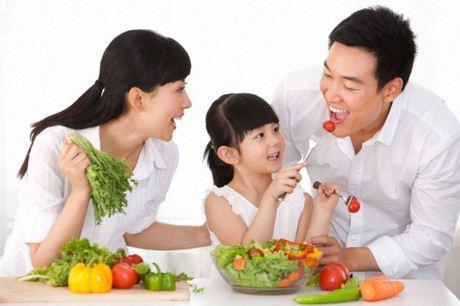 Nên ăn nhiều rau xanh.