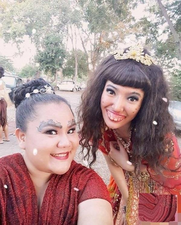 Ida Churasri, người Thái Lan, có vóc dáng cao ráo, thân hình nhỏ nhắn, mũi cao, mắt thanh tú nhưng lại gặp vấn đề với hàm răng.