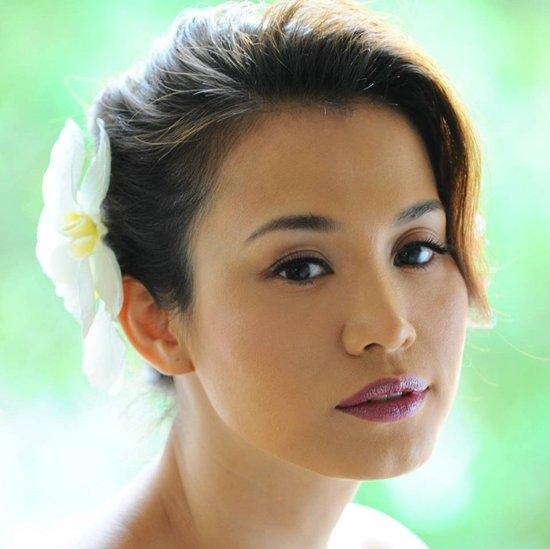 Vẻ đẹp được mệnh danh là 'Julia Roberts Việt Nam' của Ngọc Khánh thuở mới đăng quang hoa hậu.