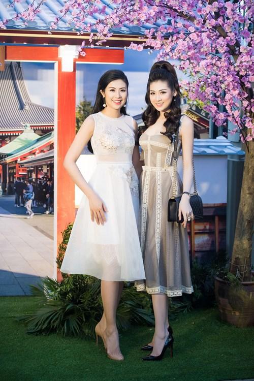 Tối qua, Hoa hậu Ngọc Hân và Á hậu Tú Anh cùng tham gia một sự kiện được tổ chức ở Hà Nội.