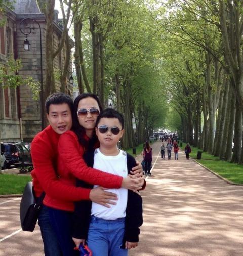 MC Hoa Thanh Tùng và bà xã Lan Phương