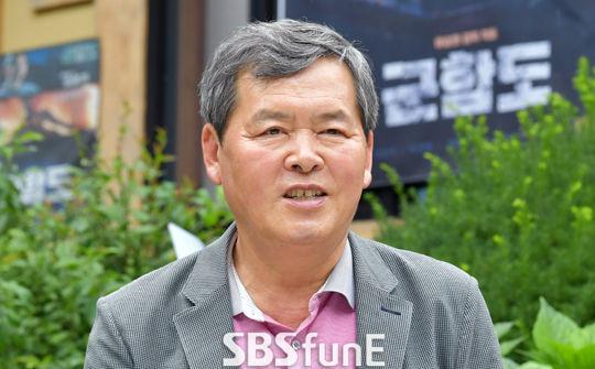 Cha Song Joong Ki tôn trọng quyết định của con trai. Ảnh: SBSFunE.