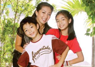 Thanh Xuân cùng 2 con khi còn nhỏ