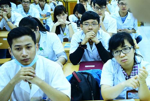 Phần lớn thí sinh đỗ vào ngành Y đa khoa của Đại học Y Hà Nội nhờ cộng điểm ưu tiên. Ảnh minh họa: Giang Huy.