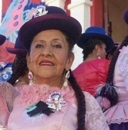 Cụ bà Carmen Chacon bị gia đình bỏ rơi và muốn chôn sống vì không ai muốn chăm sóc bà.
