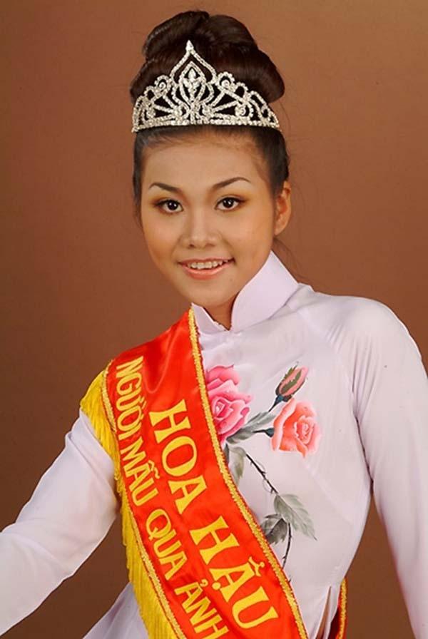 Thanh Hằng sinh năm 1983 tại TP.HCM. Cô đăng quang Hoa hậu Phụ nữ Việt Nam qua ảnh năm 2002. Với nhiều năm nỗ lực với nghề người mẫu, Thanh Hằng nhanh chóng vươn lên thành ngôi sao hạng A và có cơ hội thử sức với nhiều vai trò như: diễn viên, giám khảo...