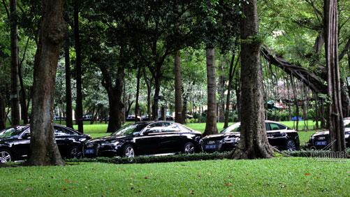 Trang thiết bị đặc biệt cho mỗi xe được lựa chọn kỹ lưỡng bởi Ủy ban Quốc gia APEC 2017.